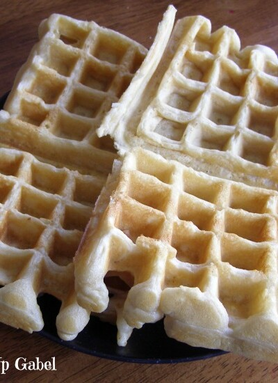 Easy Waffle Recipe from Growing Up Gabel @thegabels #recipe