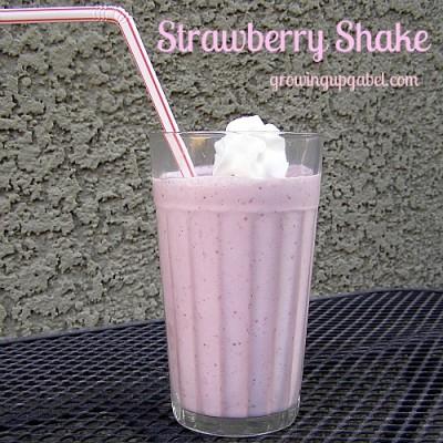 3 Ingredient Strawberry Shake