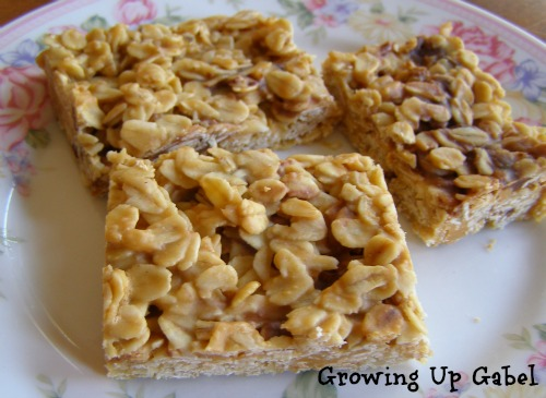 Butterscotch No Bake Bar Cookies from growingupgabel.com @thegabels #recipe #cookies