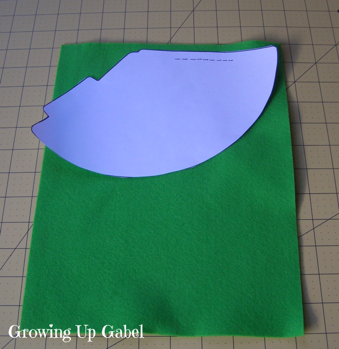 How to Make a Party Hat - Growing Up Gabel