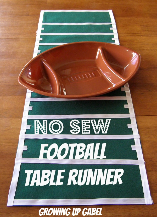 No Sew Football Table Runner from Growing Up Gabel @thegabels #crafts #SuperBowl