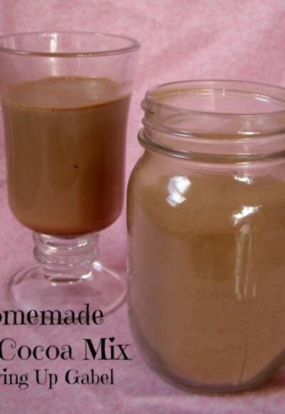 Homemade Hot Cocoa Mix - Growing Up Gabel @thegabels #recipes