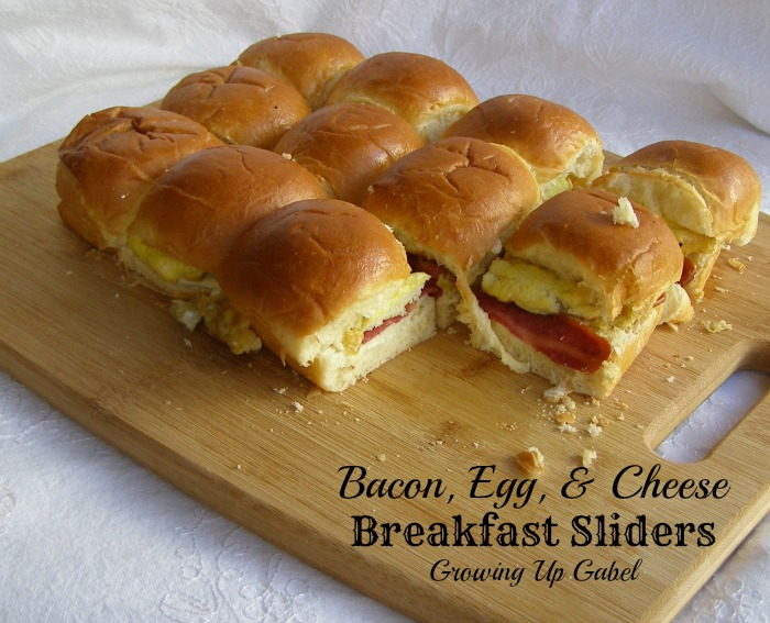 Bacon, Cheese, Egg Breakfast Sandwiches - Growing Up Gabel @thegabels #recipes #breakfast #Jennie-O4Kids