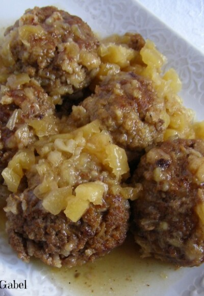 Slow Cooker Pineapple Meatballs - Growing Up Gabel @thegabels