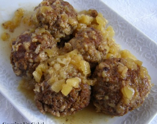 Slow Cooker Pineapple Meatballs