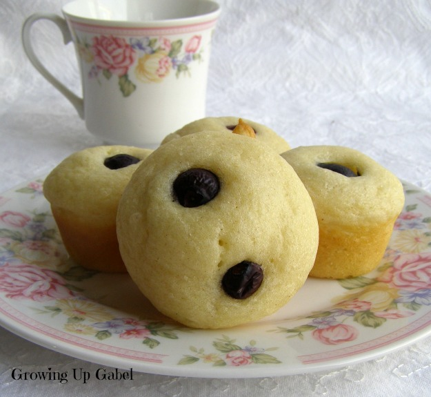 Mini Blueberry Pancake Cups From Growing Up Gabel @thegabels