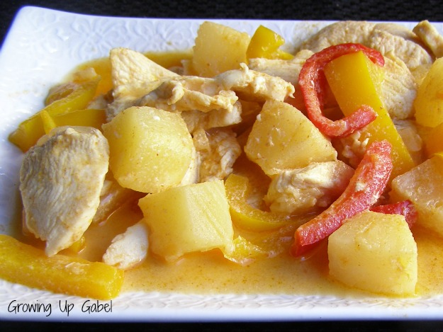 Pineapple Chicken Curry from Growing Up Gabel @thegabels #recipe