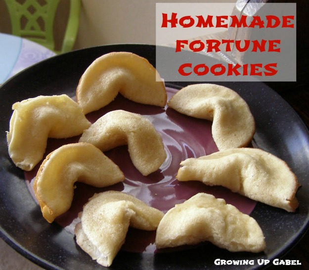 Fortune Cookies from growingupgabel.com @thegabels #recipe