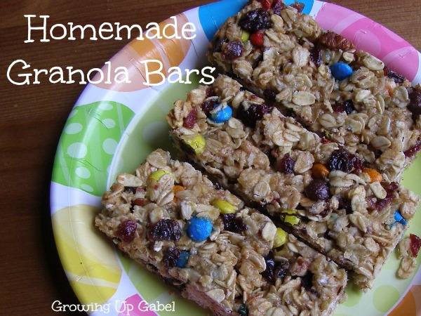 Homemade Granola Bars from growingupgabel.com @the gabels #recipe