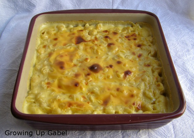 Baked Macaroni and Cheese with Velveeta cheese