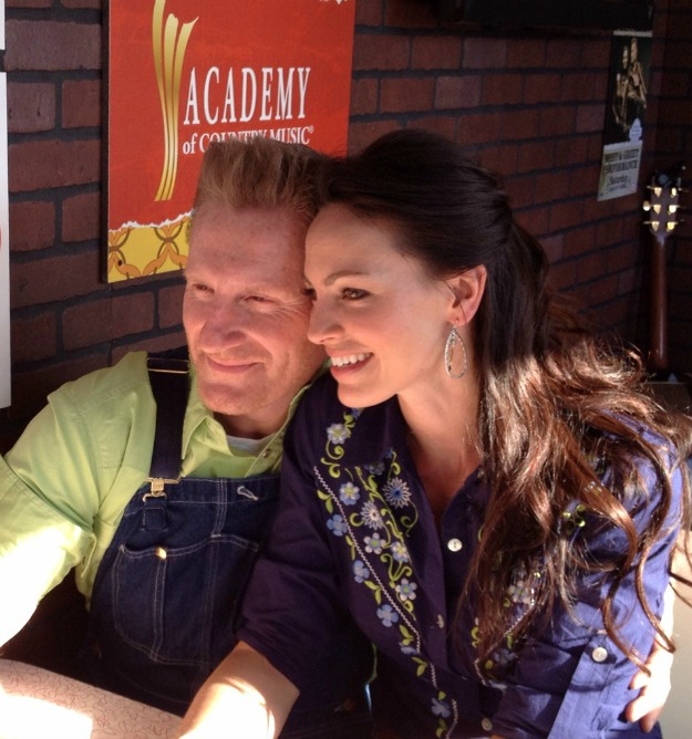 Joey+Rory Kraft Fights Hunger