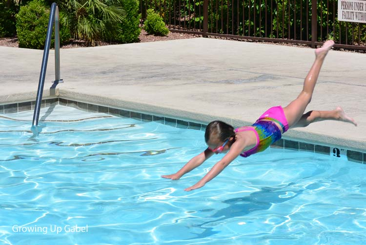 Summer Safety Tips For Letting Kids Play Alone Outside