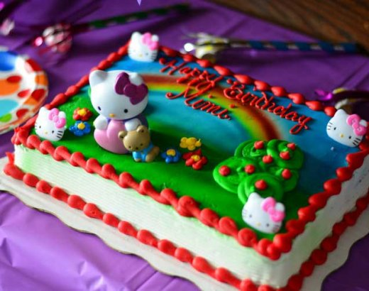 How to Throw an Easy Hello Kitty Birthday Party & A Giveaway