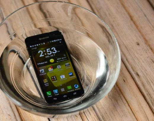 Discover the Fun of a Waterproof Phone
