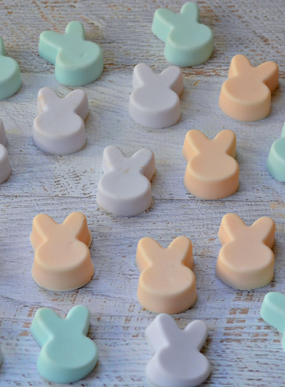 Wondering how to make soap? Just follow this easy tutorial for the perfect Easter basket treat!