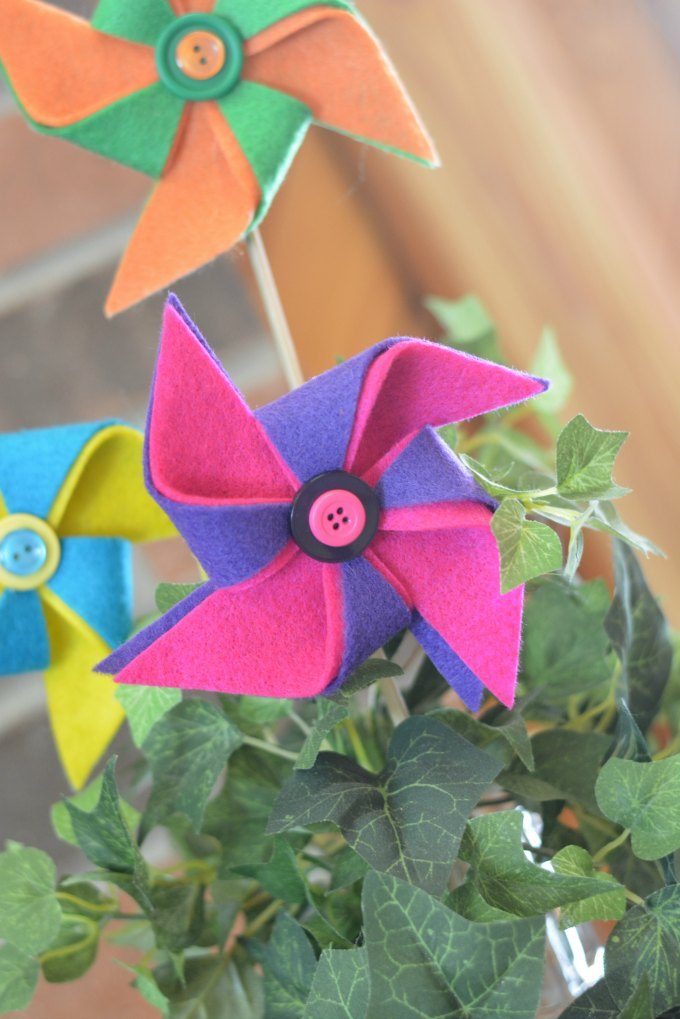 how to make a felt pinwheel
