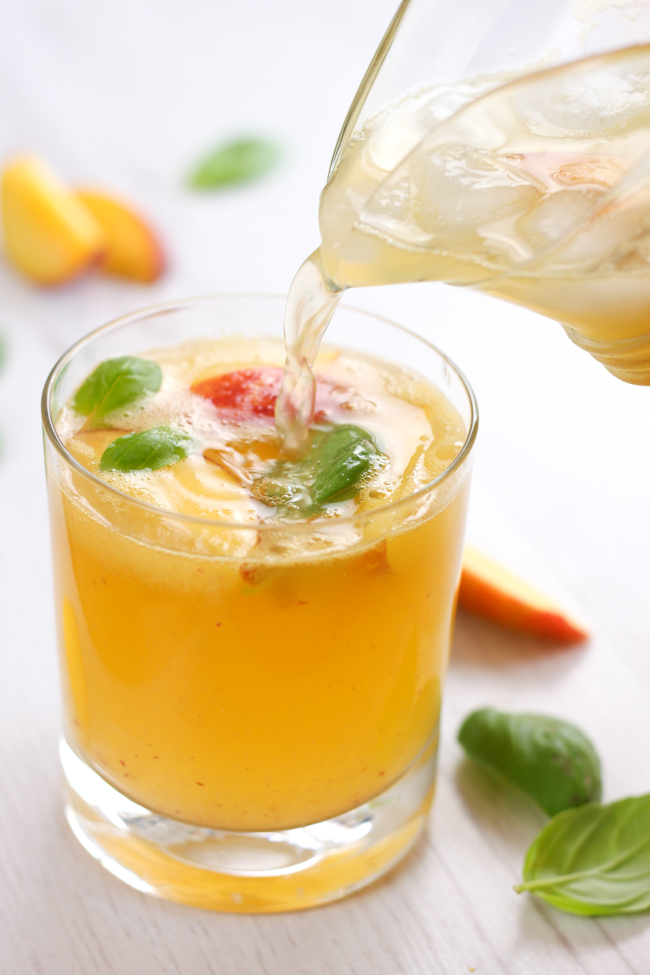 25 Refreshing Peach Cocktails and Smoothies