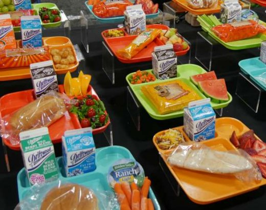 5 Reasons to Check Out Your School Lunch Program