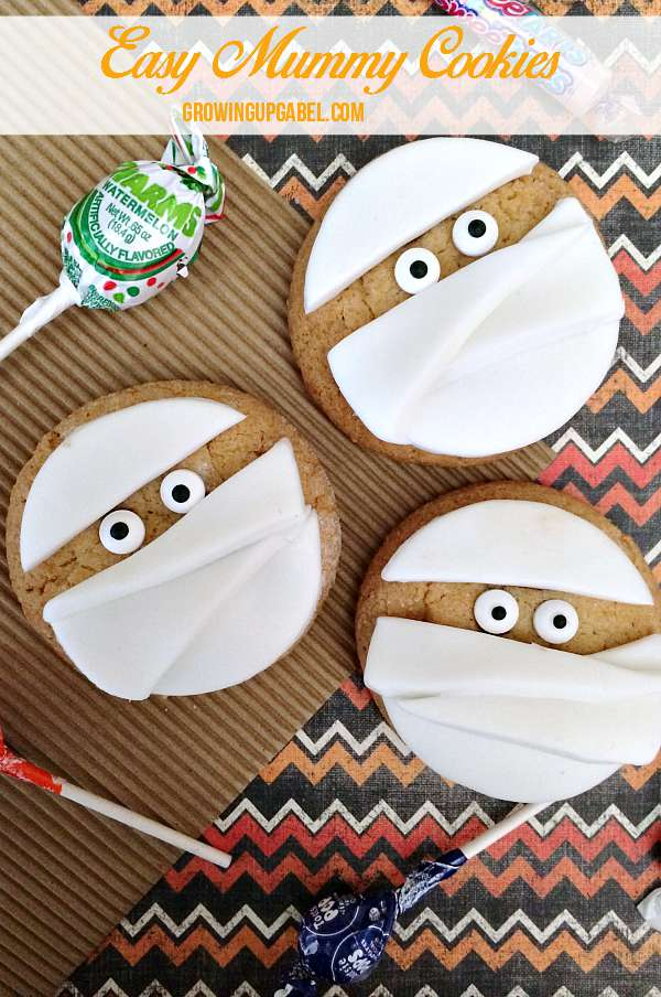 Need a last minute Halloween treat? Make these semi-homemade mummy Halloween cookies! Pick up the supplies and enlist the kids to help create a fun Halloween treat .