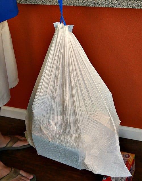 Hefty strong trash bags