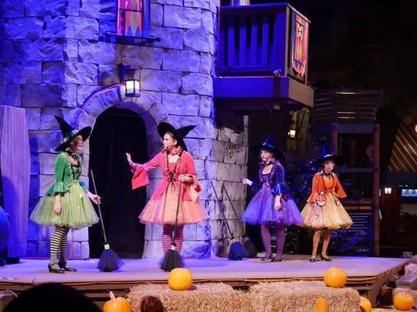 Halloween show at LEGOLAND