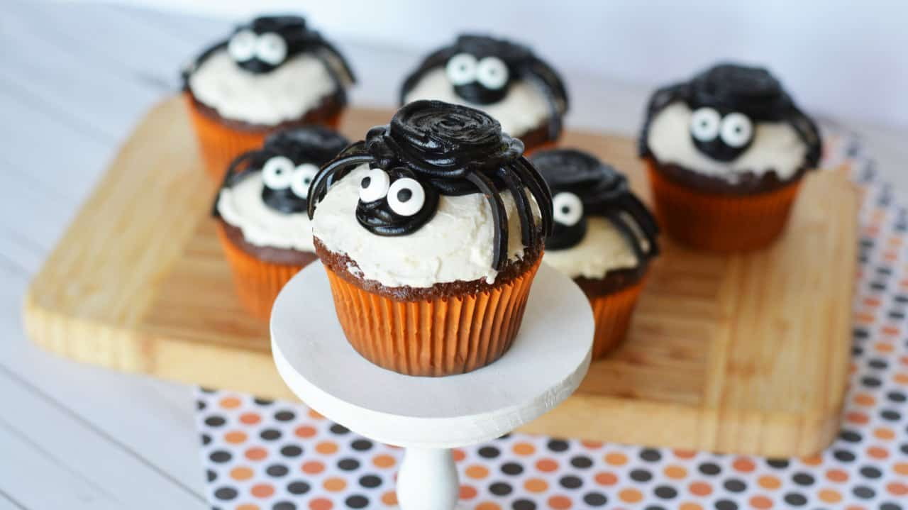 Halloween spider cupcakes are fun and easy to make!