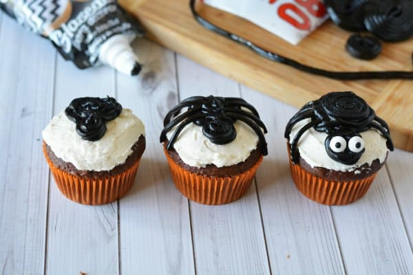 licorice-spider-cupcakes