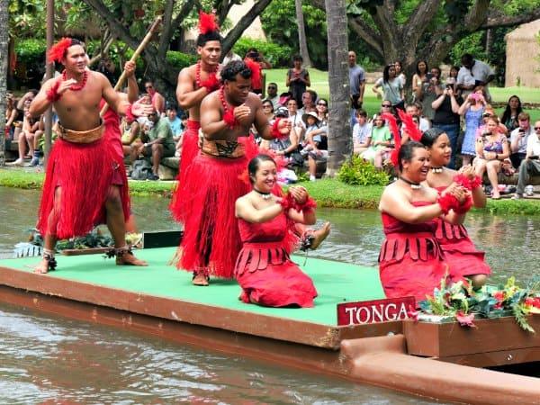 tonga-canoe-show