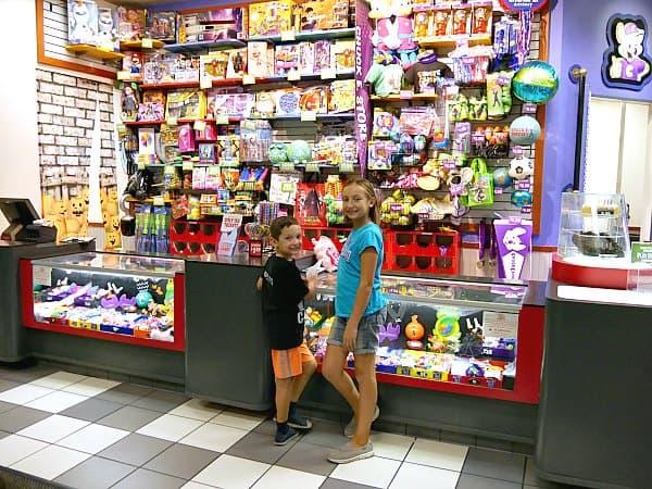 Chuck-e-cheese prizes