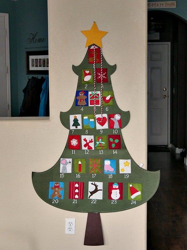 felt-advent-tree-calendar