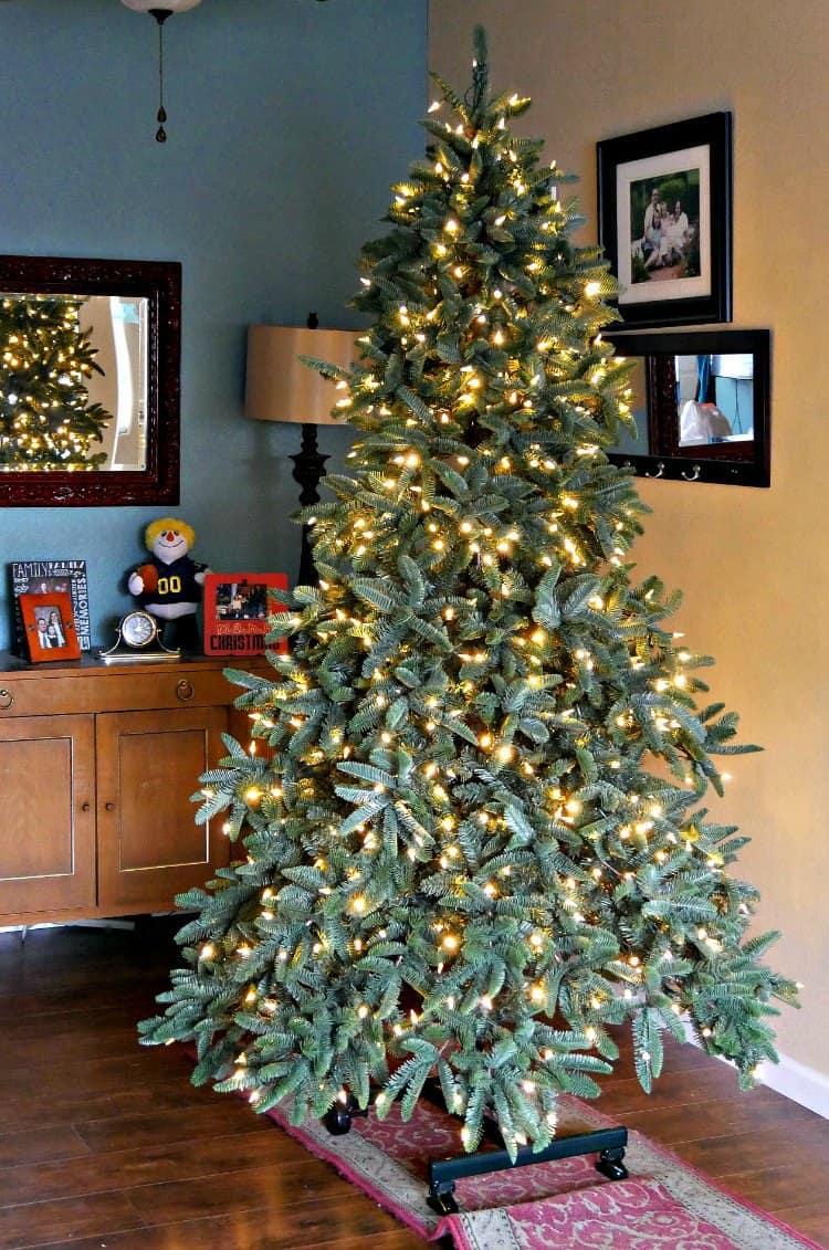 white-light-christmas-tree