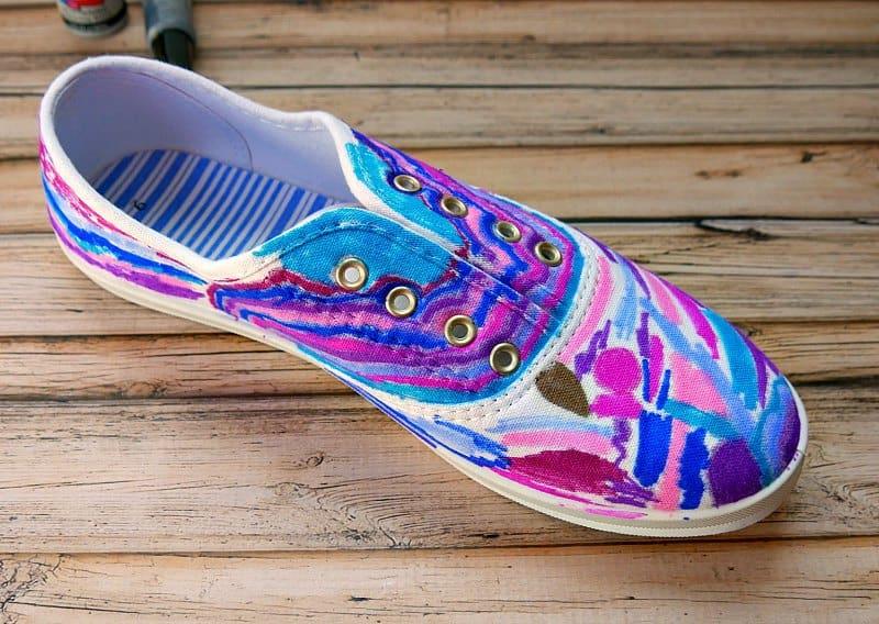 92224c792732 DIY Sharpie Galaxy Shoes
