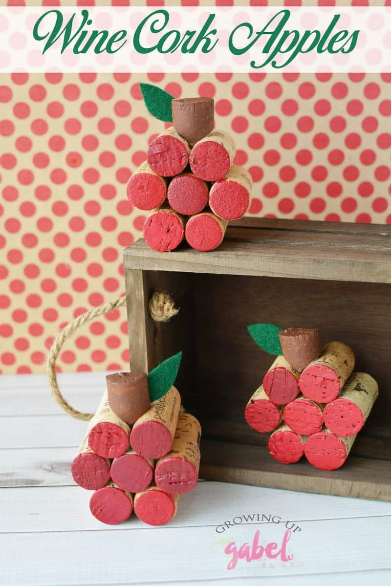 Make DIY wine cork crafts for fall including this easy apple project! Great for kids to make with an adult. CLICK NOW for the tutorial! #winecorks