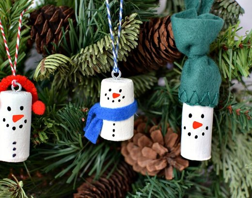 DIY Wine Cork Snowman Christmas Tree Ornaments