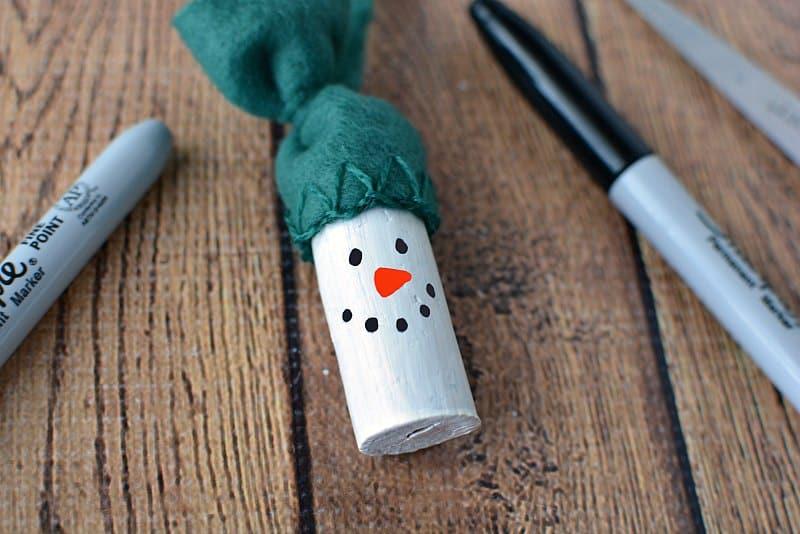 Świąteczna ozdoba choinkowa wykonana z korka, zachwyci zarówno dorosłych jak i dzieci