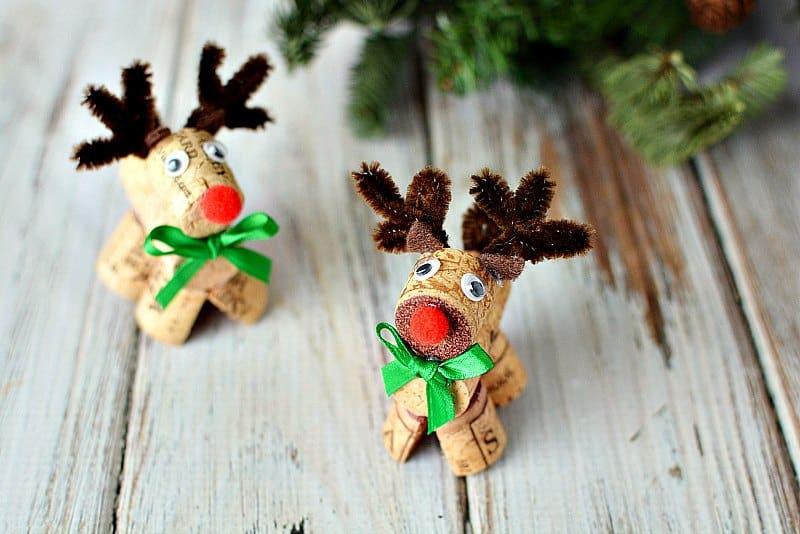 How to make adorable wine cork reindeer for Cork balls for crafts