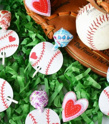 DIY Baseball Valentines with Lollipops