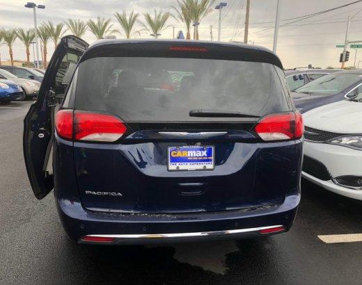 4 Reasons Every Mom Needs to Buy A Minivan at Carmax