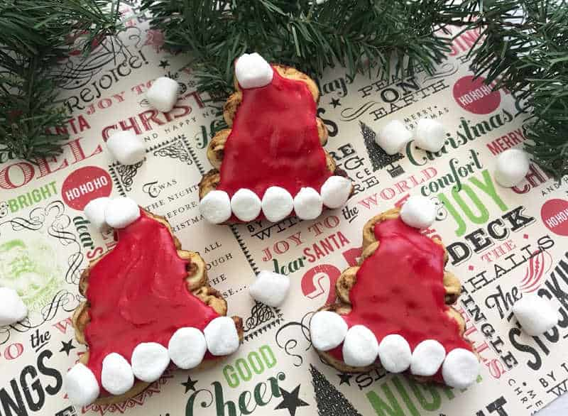 Christmas Cinnamon Rolls.Santa Hat Cinnamon Rolls For Christmas