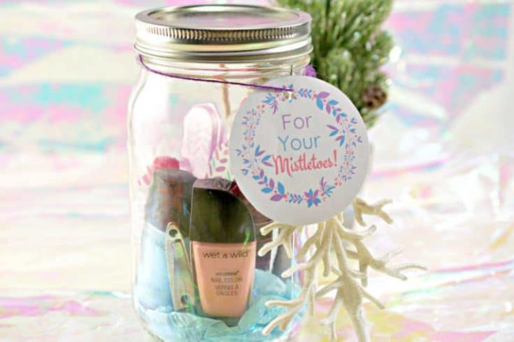 Mistletoes Pedicure in A Jar