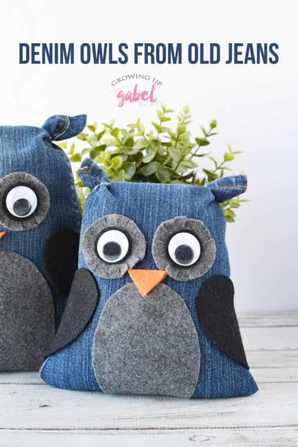 Make your own stuffed animal owls with an old pair of jeans. This easy no sew craft is a great recycled craft idea. Easy to make with kids! #upycyle #nosewcraft #nosew #oldjeans #craftideas