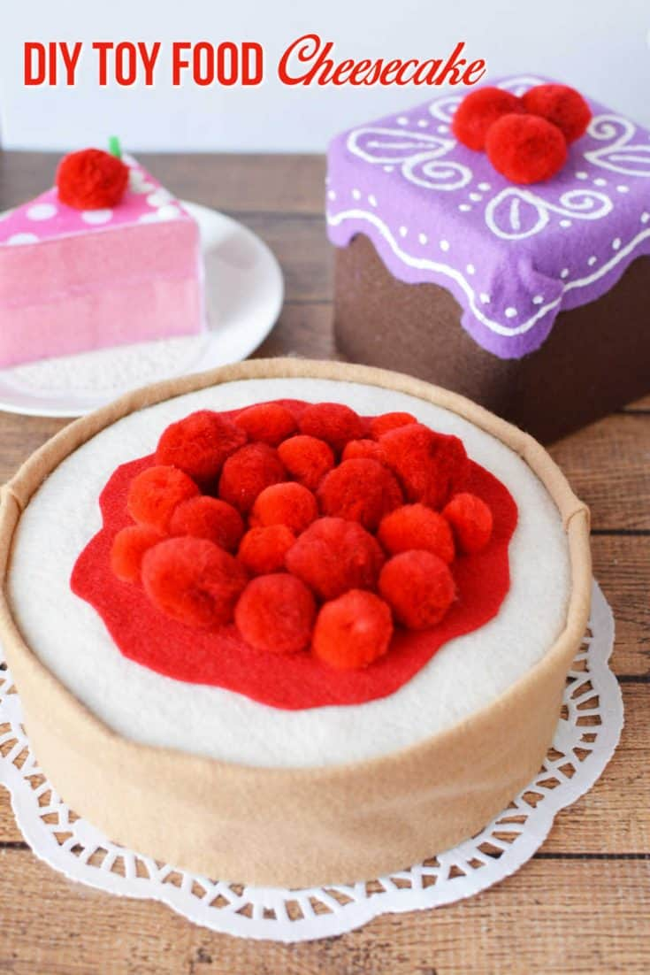 Use an old empty tin, felt and pom poms to create an adorable toy food cheesecake for a kids kitchen set.