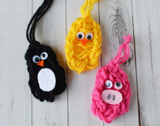 Fun Finger Knitting Patterns for Kids: Butterfly, Penguin, Pig and Chick