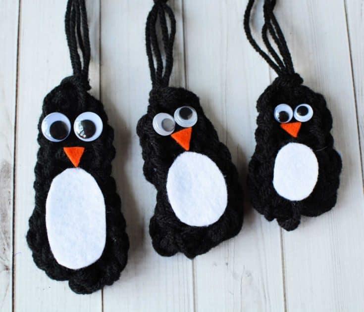 Finger Knitting Pattern: Penguin