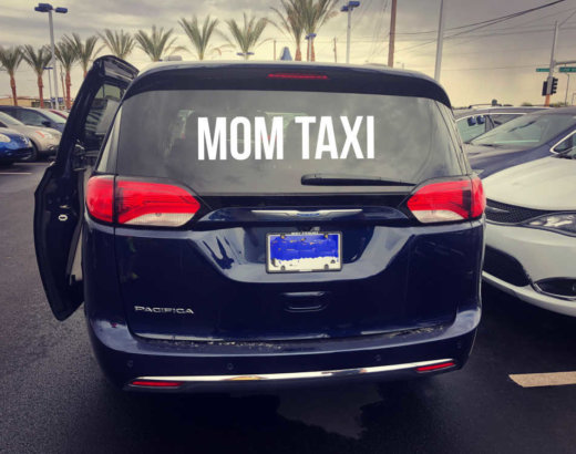 """4 Essentials to Help """"Mom Taxi"""" Survive the School Year"""