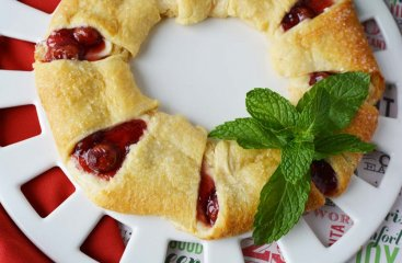 Cherry Cheese Danish Wreath