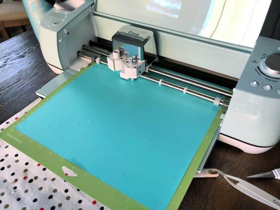 Cricut Air 2 cutting vinyl