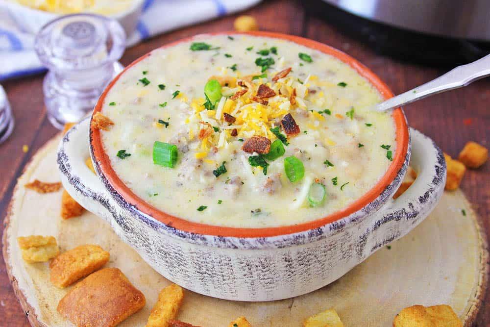 a bowl of instant pot cheeseburger soup