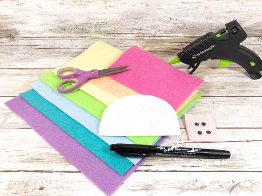 craft supplies to make felt rainbows