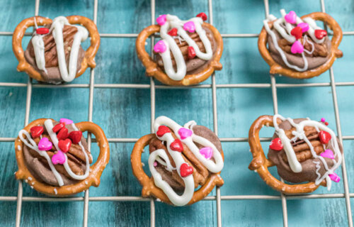 Valentine's Day Pretzel Turtle Candy Recipe